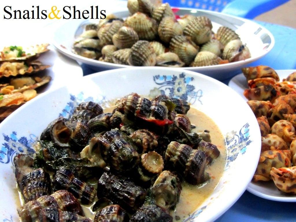 Eating snails & shellfish in Saigon, Vietnam