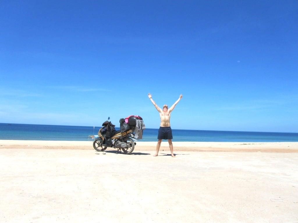 Vietnam Coracle Motorbike Guides, Vietnam