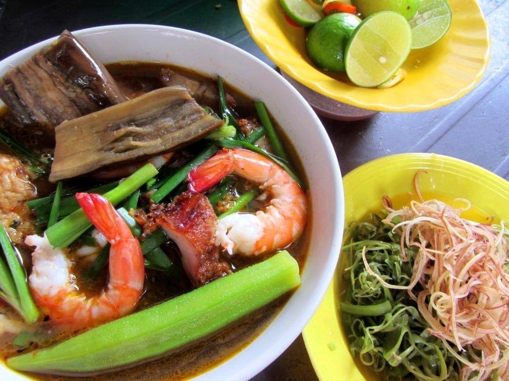 Vietnamese noodle soup, street food, Vietnam