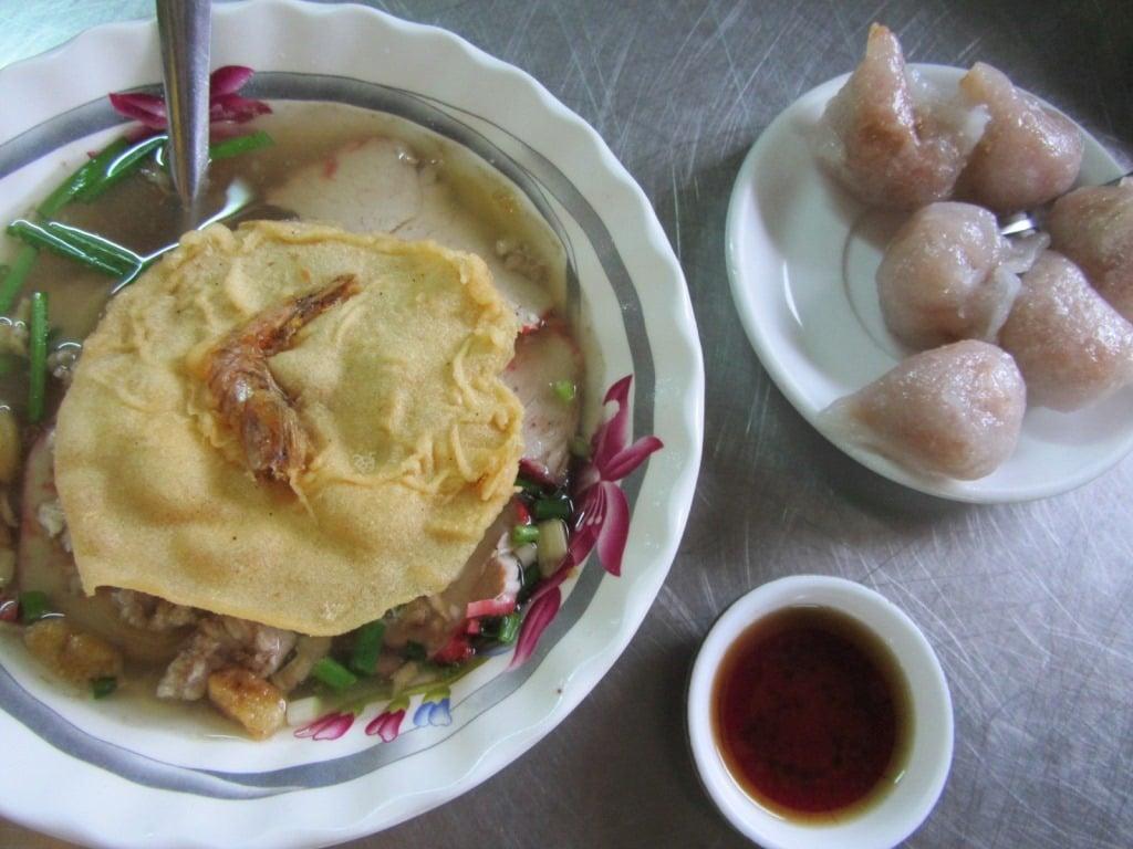 Pork noodles (mì thịt heo)