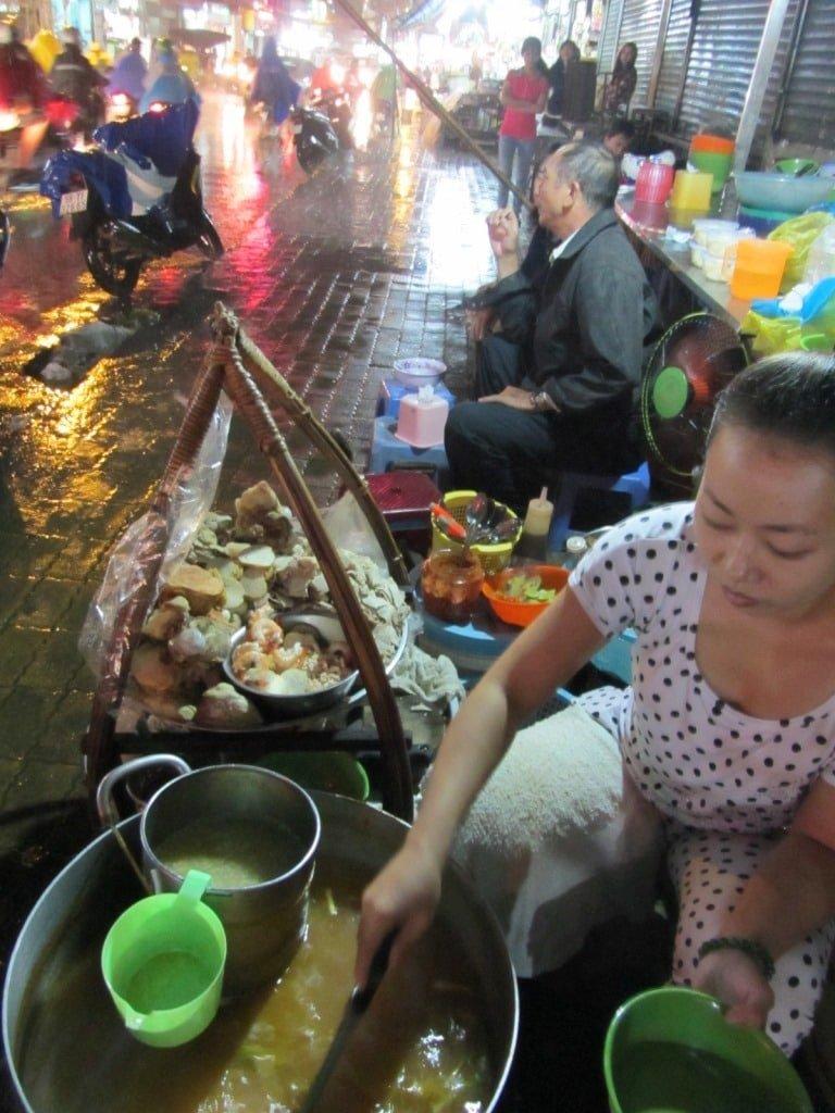 Street food vs restaurant