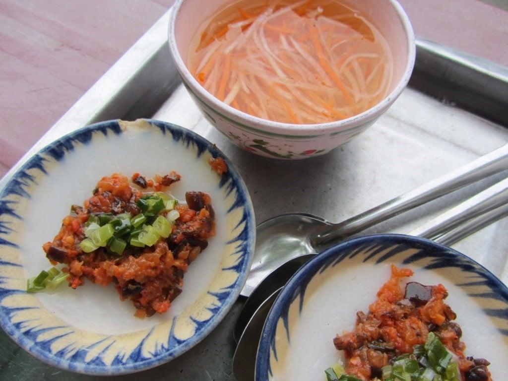 Bánh bèo: savoury rice cakes