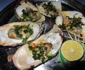 Fresh oysters: $2.50 a kilo at Hồ Tràm