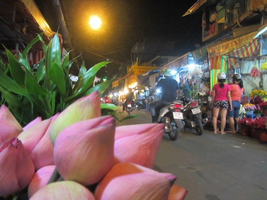 Night flower market, Ho Thi Ky Street, District 10, Saigon