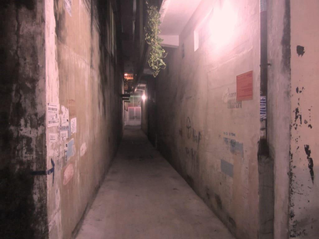 Get lost: wander through the alleys