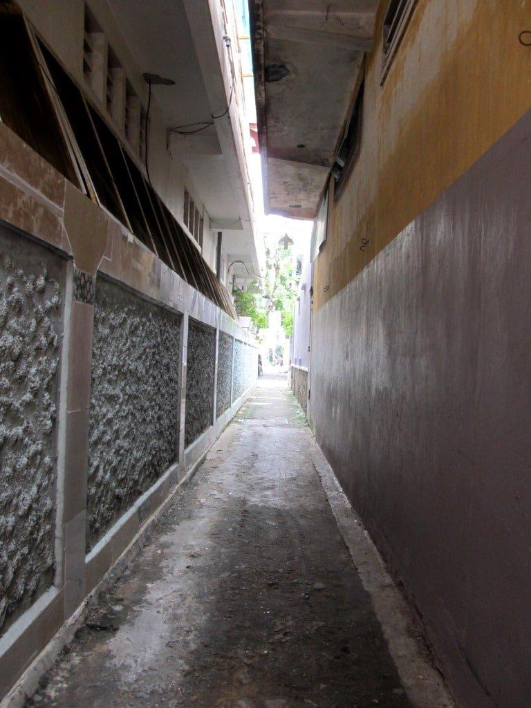 Narrow: Saigon has thousands of alleyways