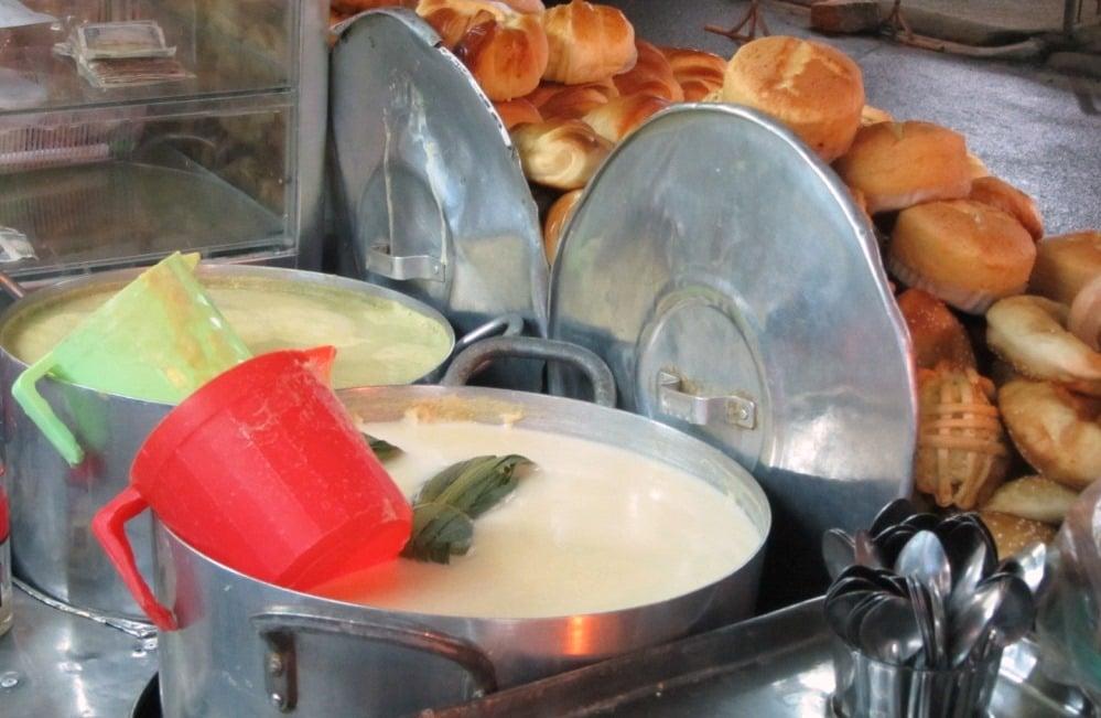 Warming drinks at Quán Hoa Sữa