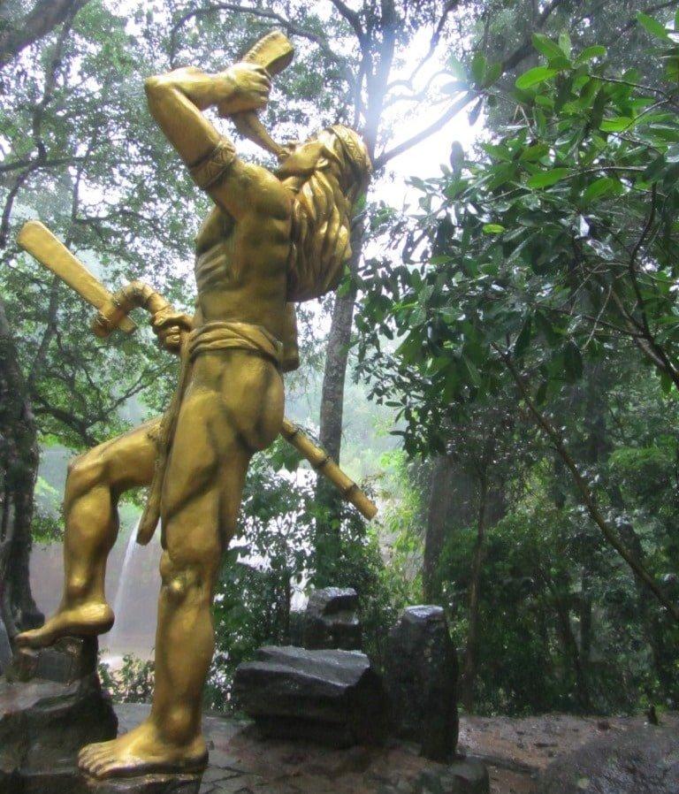 A colossal statue at Prenn falls