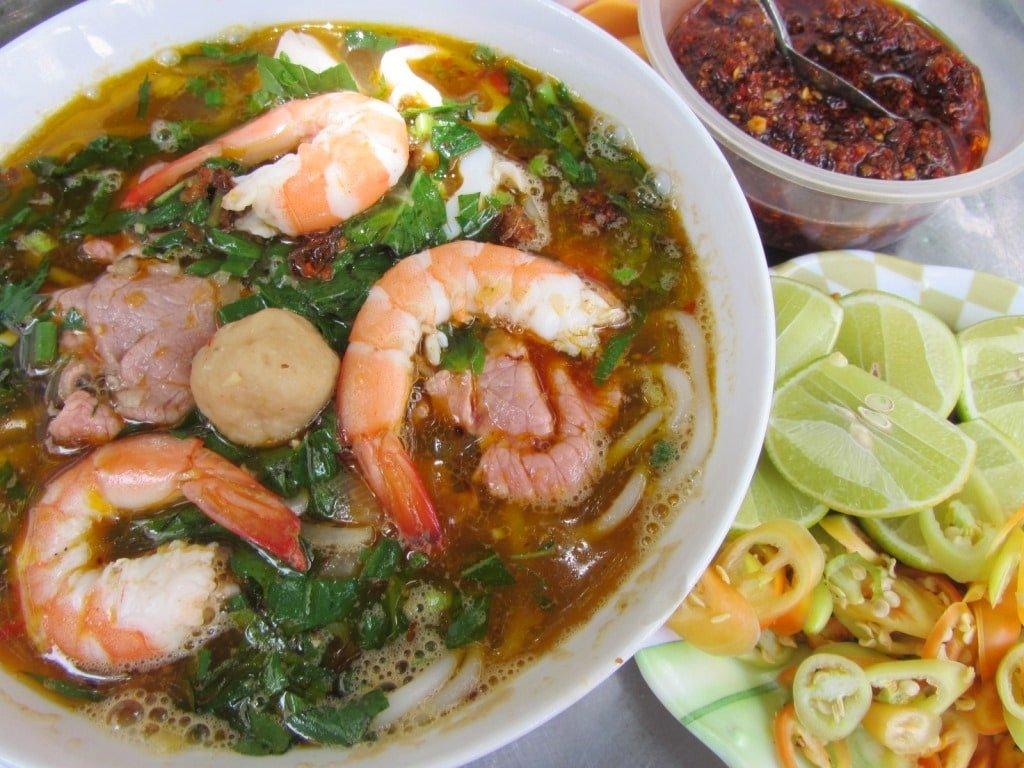 Monday: bún Thái