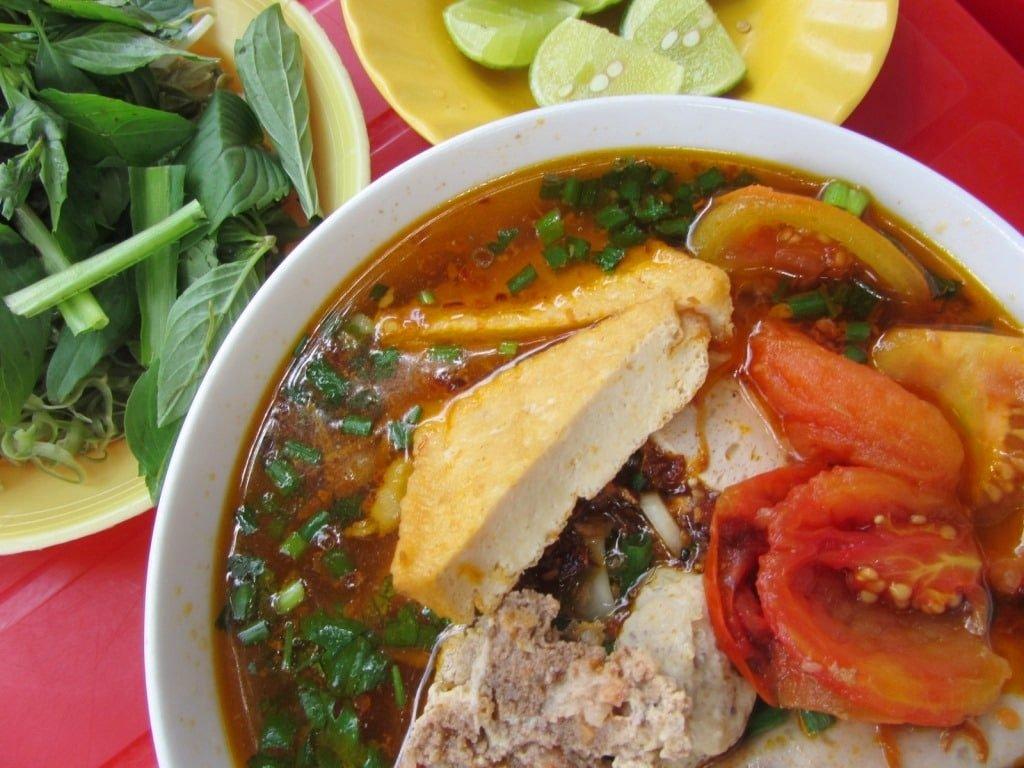 Sunday's soup: bún riêu