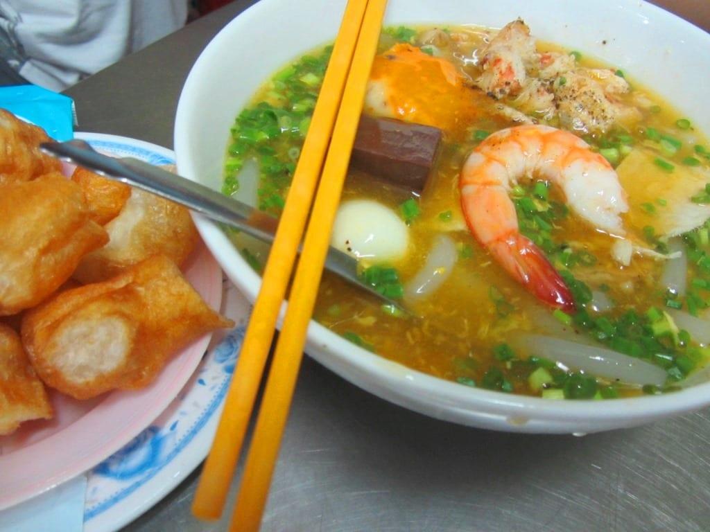 Banh canh cua, street food, Saigon