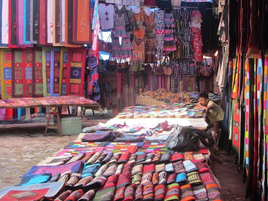 Trinkets & garments, Bac Ha market