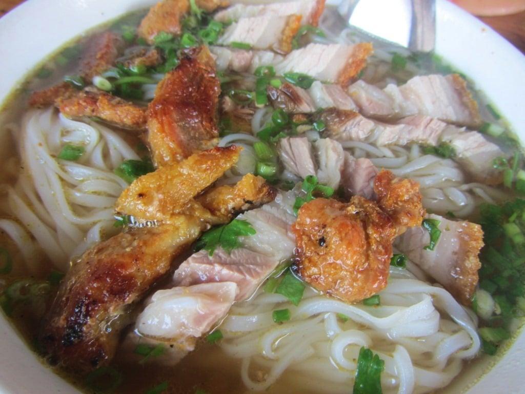 Good breakfast, Tra Linh market