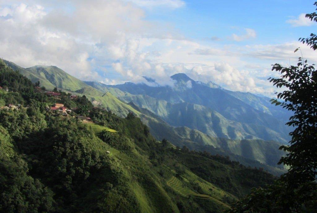 Big landscape, road to Sin Ho