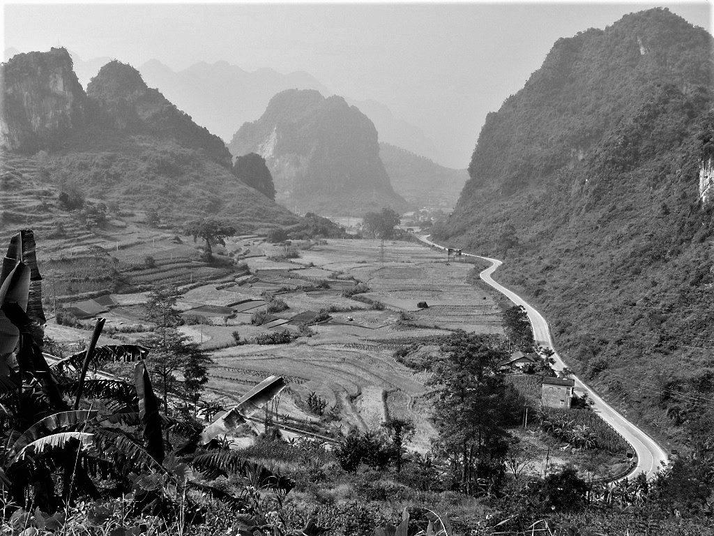 The Ma Phuc Pass between Cao Bang City & Ban Gioc Waterfall