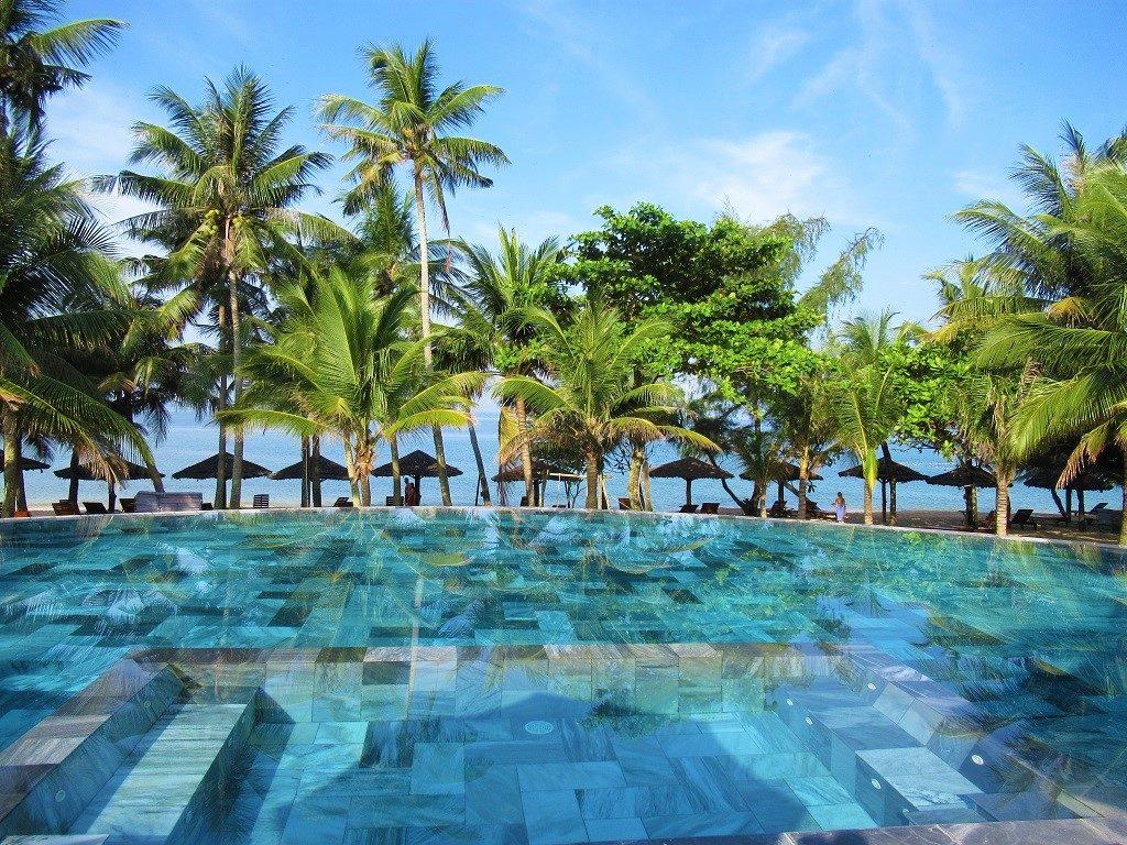 The infinity swimming pool, Thanh Kieu Beach Resort, Phu Quoc Island, Vietnam