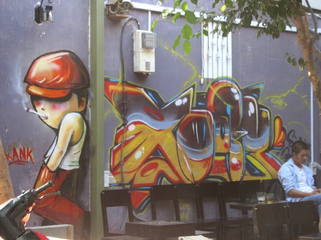 Xoay Cafe, Saigon