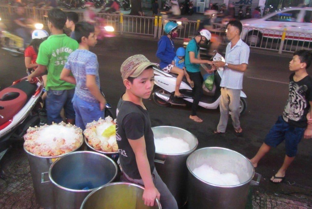 Chè Ý Phương, Saigon
