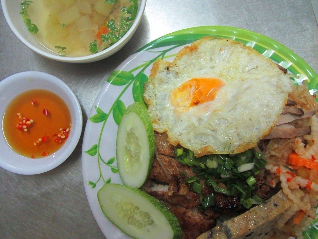 Cơm  Tấm Thành Rau, Saigon