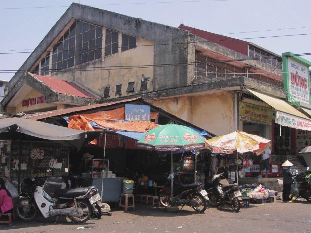 Gia Nghia Market, Ho Chi Minh Road, Vietnam