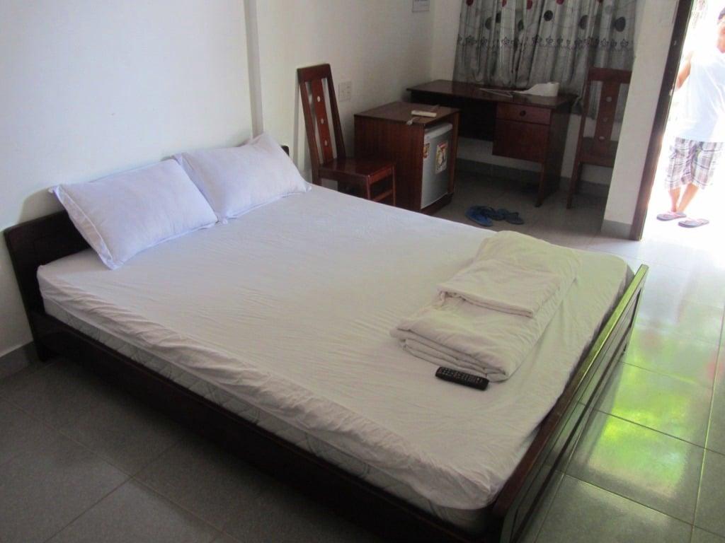 Room at Hoa Bien Motel, Ho Tram Beach, Vietnam