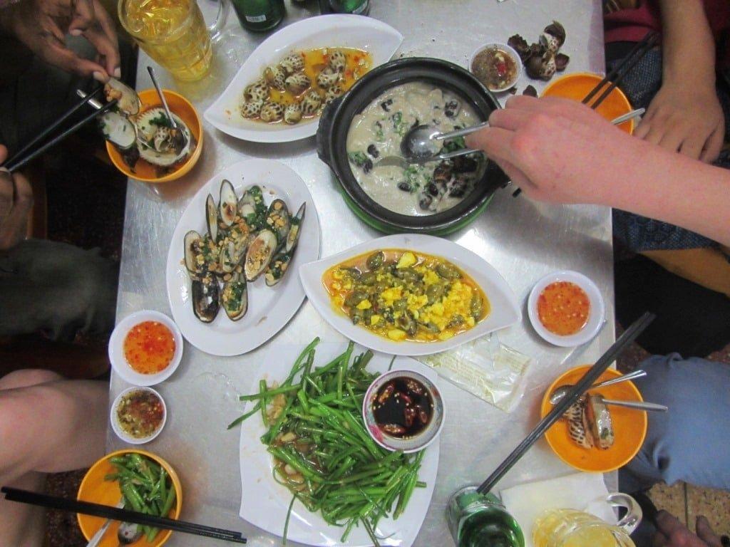 Quán Ốc Cẩm snail restaurant, Saigon, Vietnam