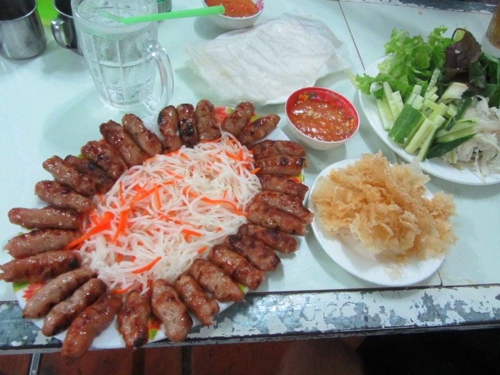 Nem nuong rolls, Lac Tanh town, Vietnam