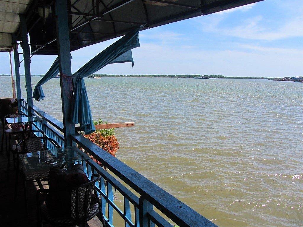 Thuy Tien floating cafe, Ha Tien, Vietnam