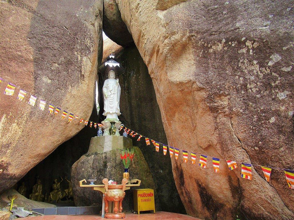 Di Đà Sơn Shrine, Núi Dinh Mountain, Ba Ria, Vietnam