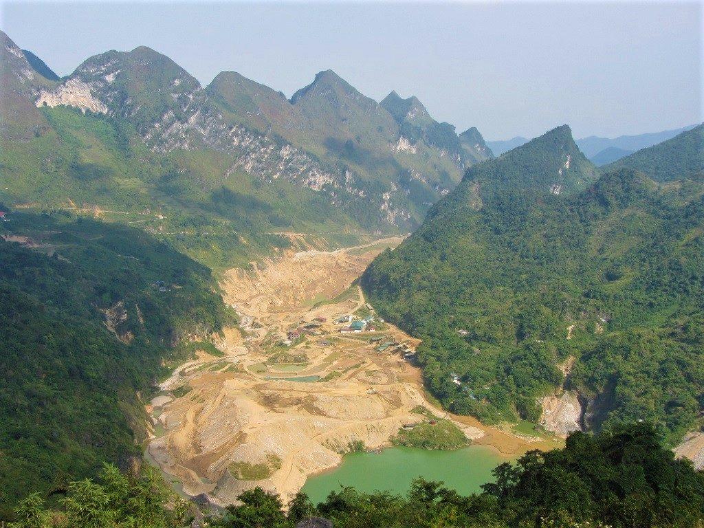 Road QL34 between Bao Lac & Cao Bang, northern Vietnam