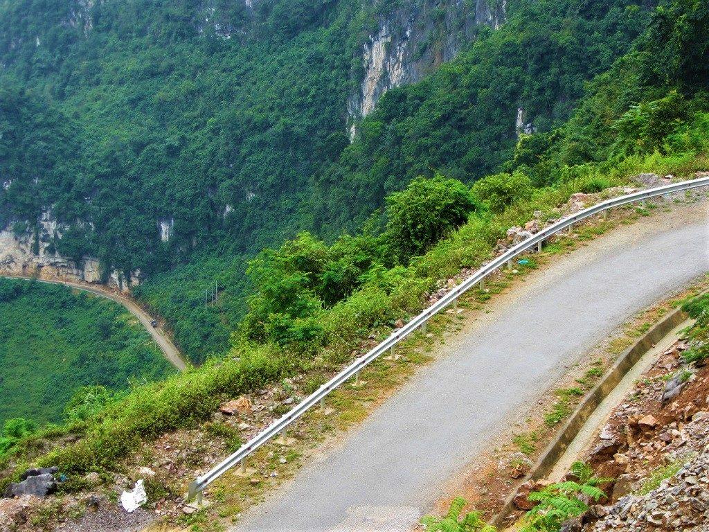 The unnamed (Agitated Dragon) road between Bao Lac & Pac Bo Cave, Cao Bang Province, Vietnam