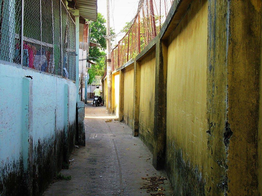 The alleyways along Saigon's rail tracks, Ho Chi Minh City