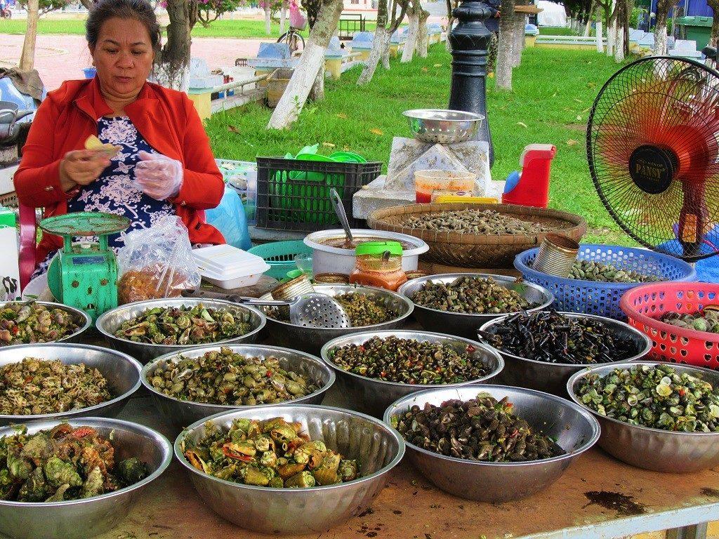 Snails for sale in Song Cau, Phu Yen Province, Vietnam