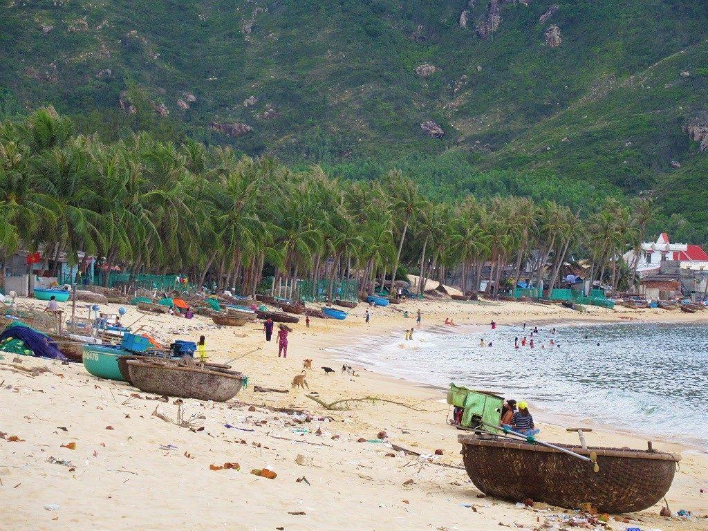Vinh Hoa beach, Xuan Thinh Peninsular, Phu Yen Province, Vietnam
