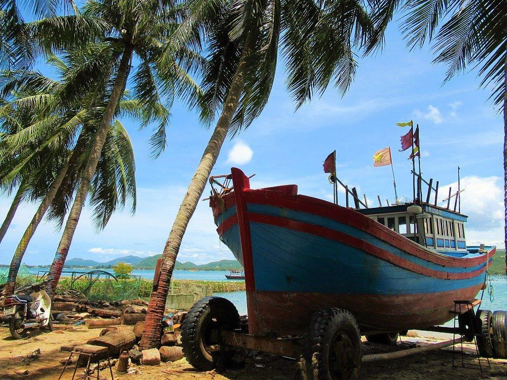 Fishing boat, Vinh Cuu Peninsular, Phu Yen Province, Vietnam