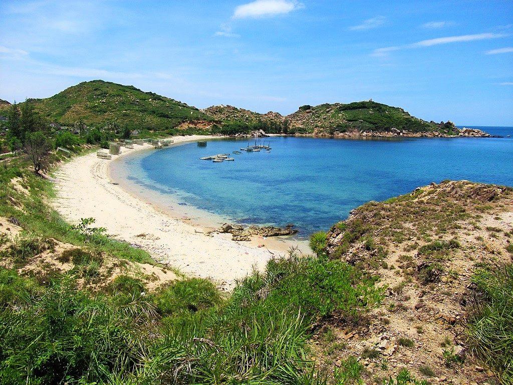 Crescent beach, Vinh Cuu peninsular, Phu Yen Province, Vietnam