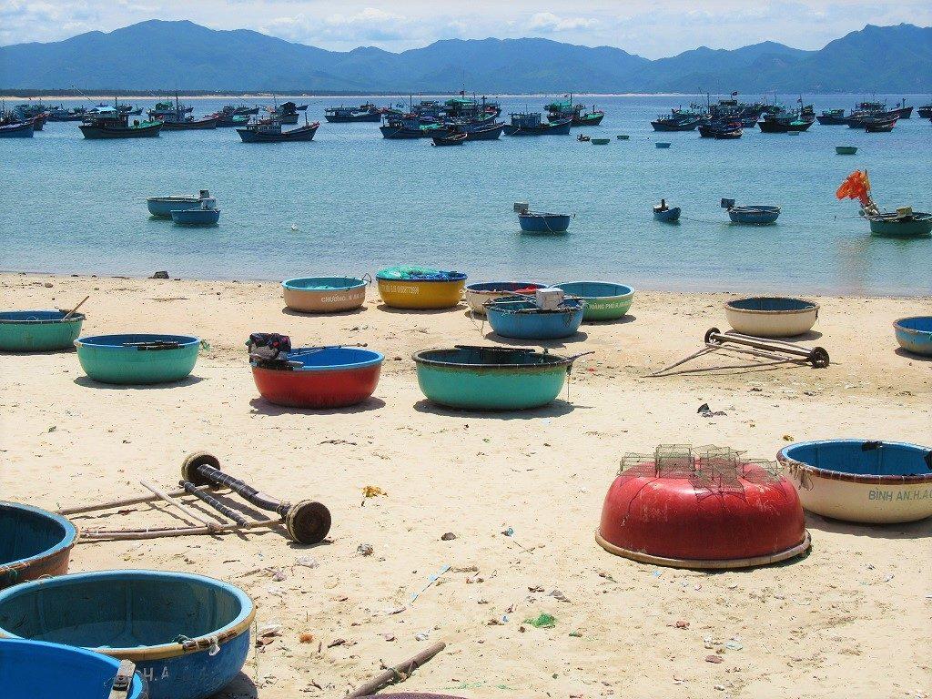 Fishing boats & coracles, Vinh Cuu Peninsular, Phu Yen Province, Vietnam