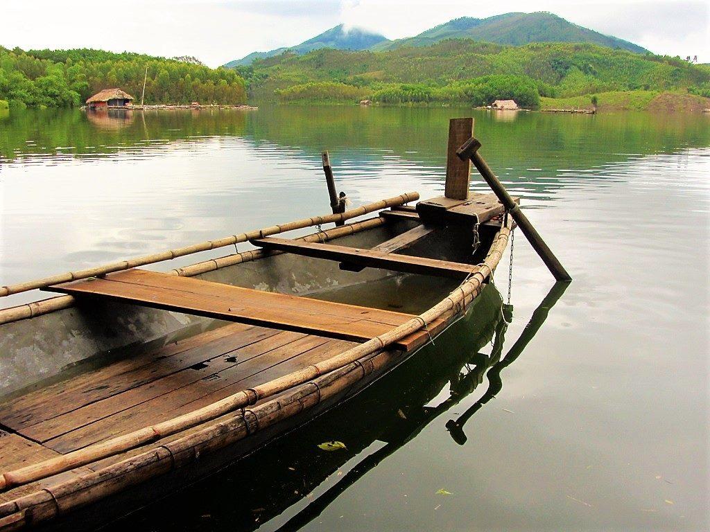 A rowing boat on Thac Ba Lake, Vu Linh, Ye Bai Province, Vietnam
