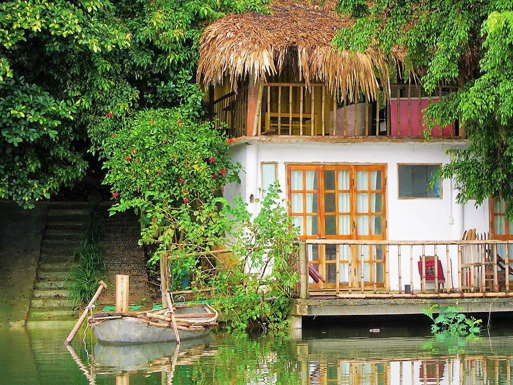 Guest room, Vu Linh homestays on Thac Ba Lake, Yen Bai Province, Vietnam