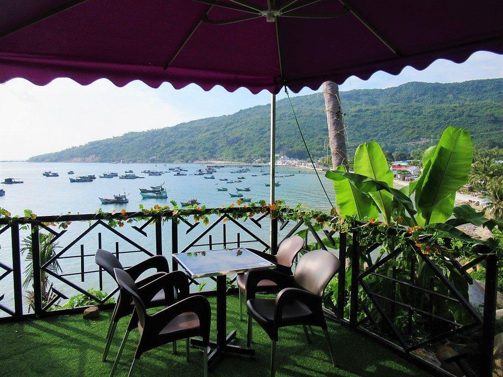 Sao Bien Cafe, Hon Son Island, Vietnam