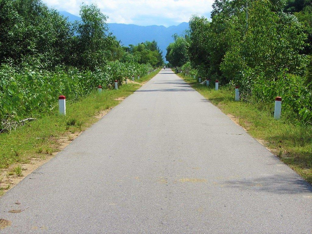Hoi An-Danang-Hue, coastal route via Hai Van Pass