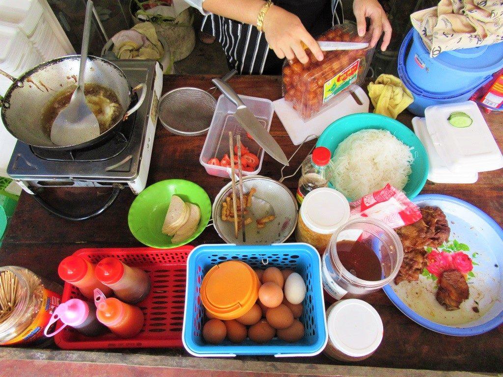 A street food vendor, Pirate Island, Hai Tac Archipelago, Vietnam
