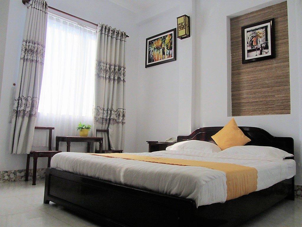 Guest room at Hai Yen Hotel, Ha Tien, Vietnam