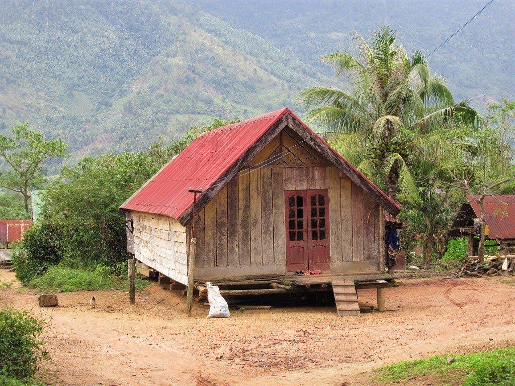 A farmhouse on the Trường Sơn Road, Vietnam)