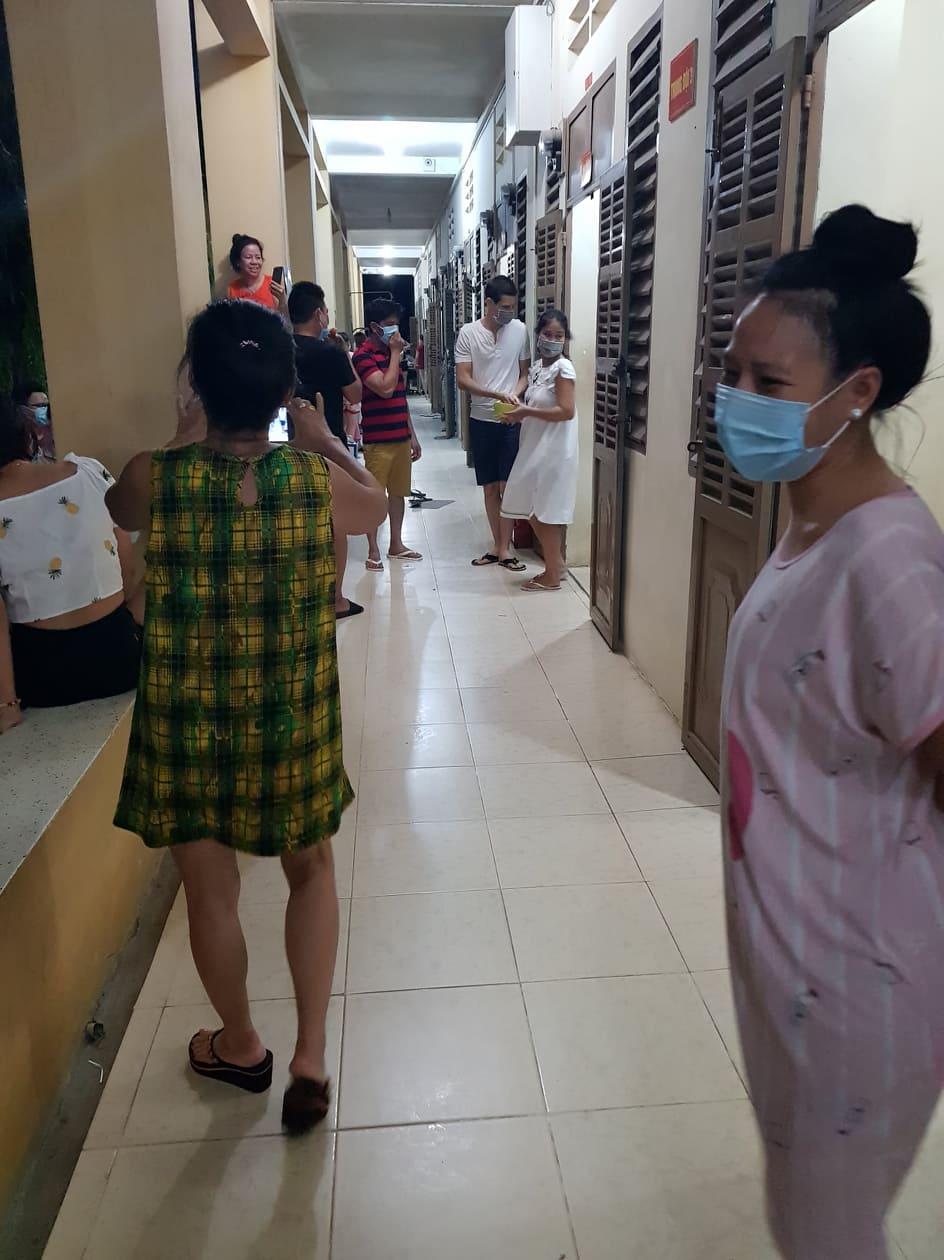 Socializing, COVID-19 quarantine facility, Vietnam
