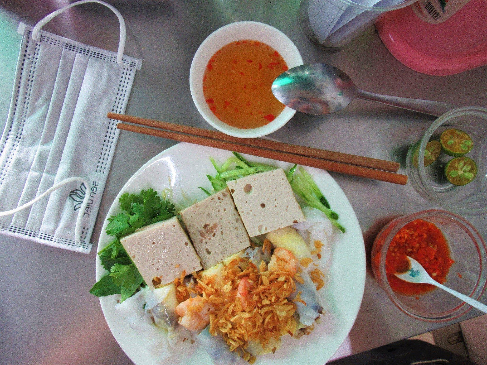 Bánh cuốn, steamed rice rolls, Vietnam
