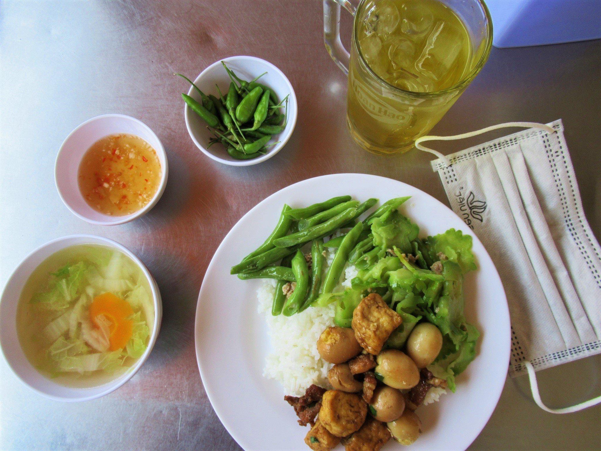 Cơm bình dân, common rice lunch, Vietnam
