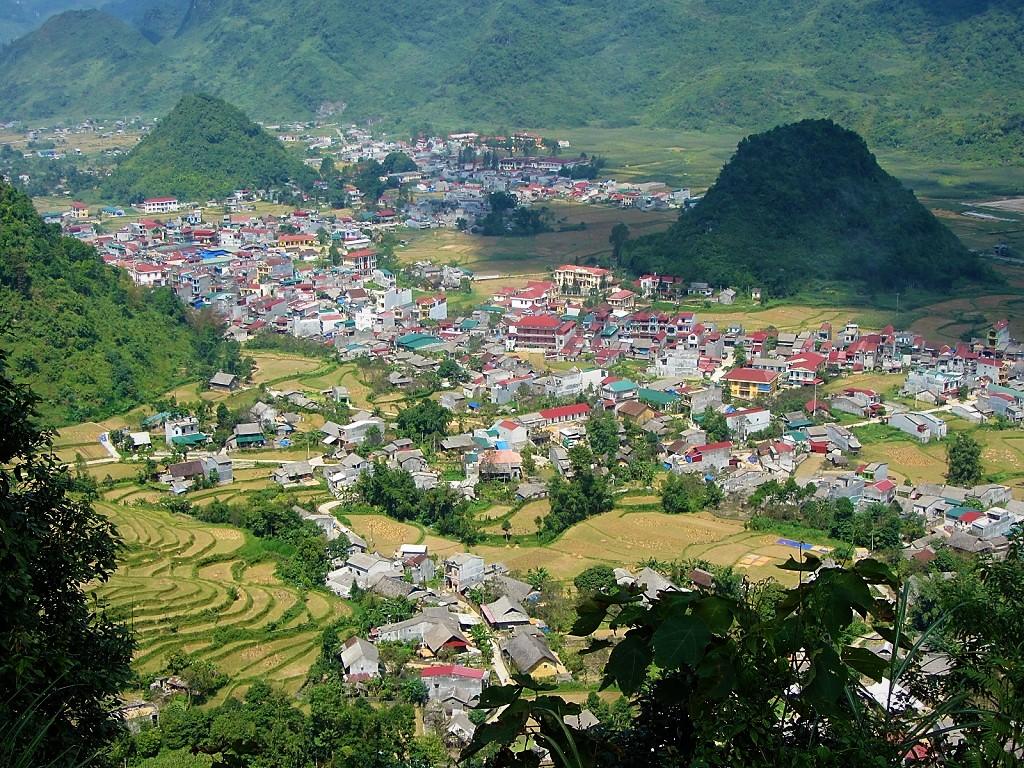 Tam Son Town seen from the Quan Ba Pass